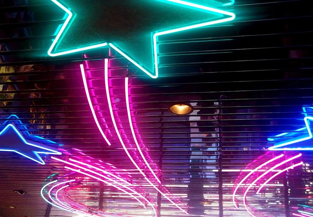 Harkins Theatres - Camelview 5